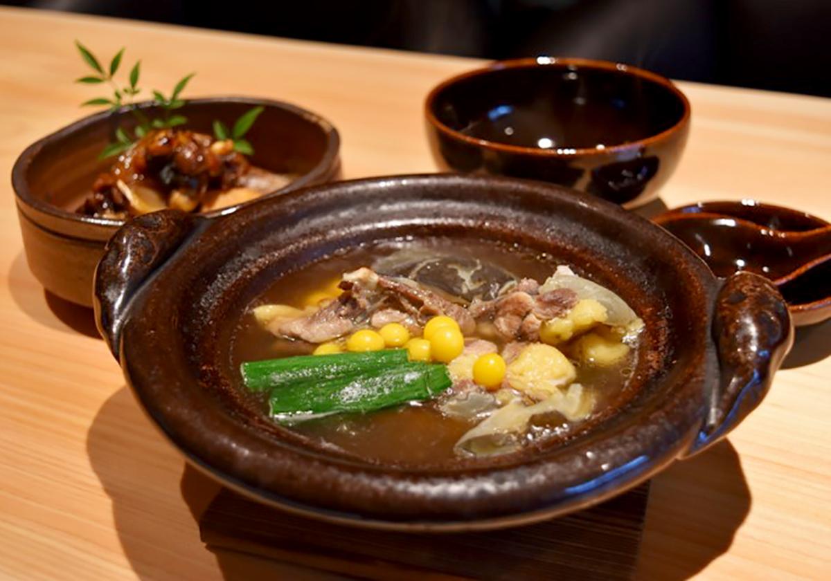 銀座志翠のすっぽん丸鍋